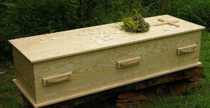 Cremation Caskets Buyer's Guide- Best Options You Can Buy Online