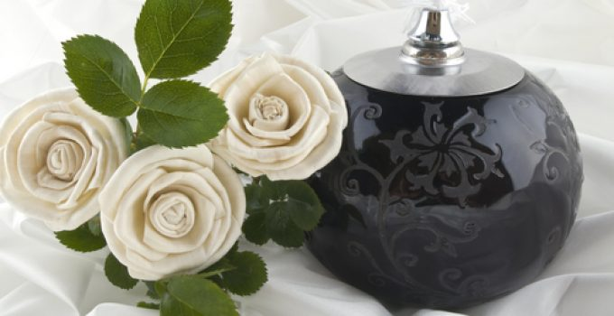 17 Cheap [But Beautiful] Adult Cremation Urns Under $100