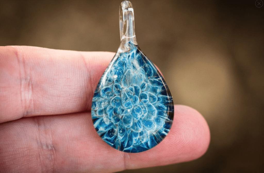BLUE MOON TEARDROP PENDANT