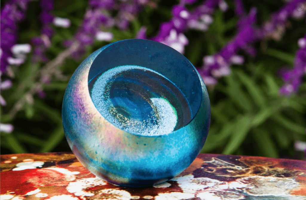 NORTHERN LIGHTS GALAXY PAPERWEIGHT WITH CREMAINS